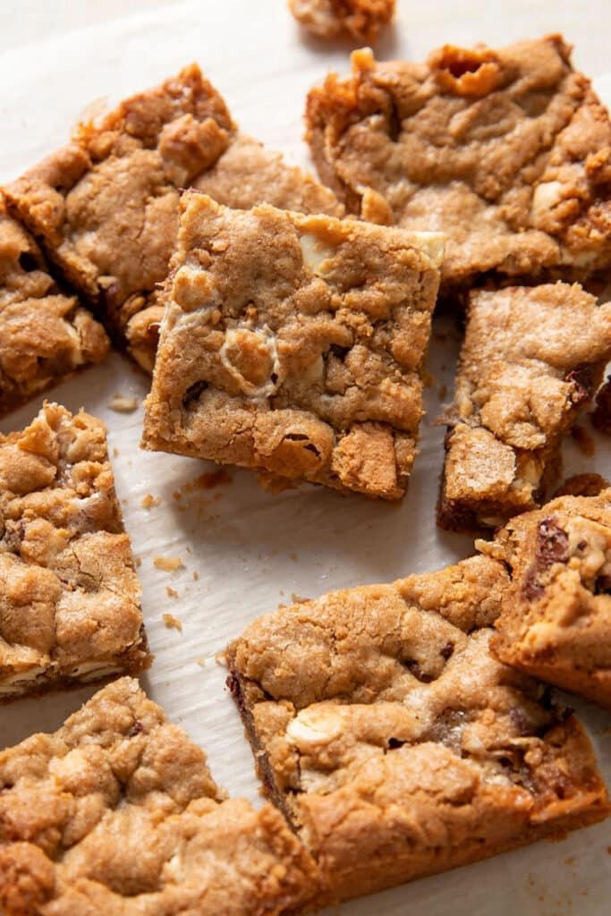 close up of a smores cookie bar