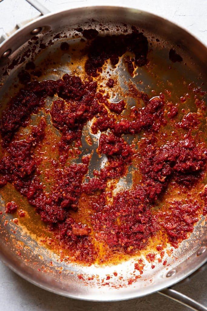 pan of sundried tomato sauce