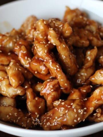 crispy sticky honey sesame chicken