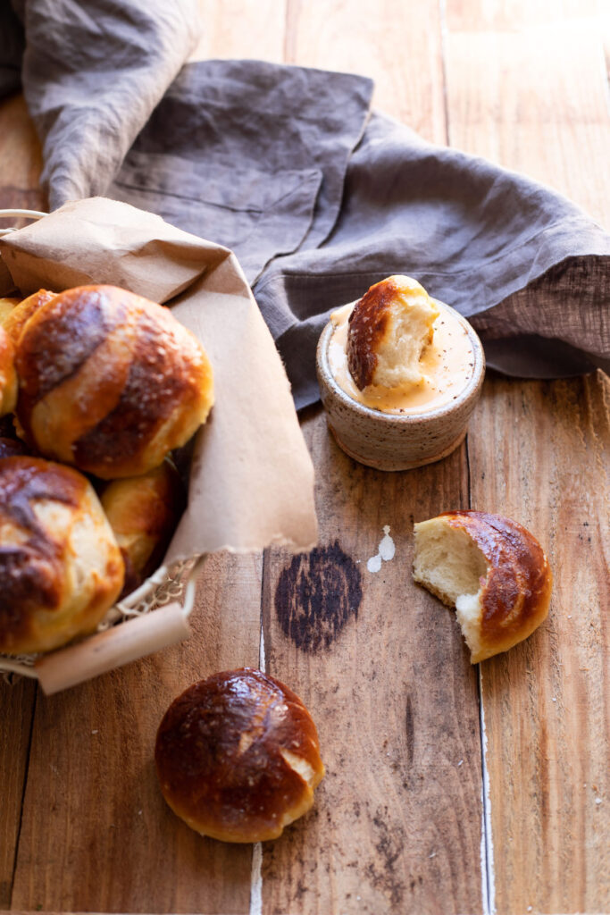 soft pretzel balls and beer cheese fondue