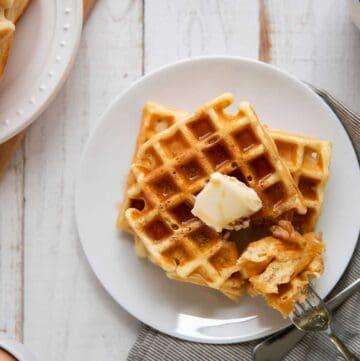 easy buttermilk waffles
