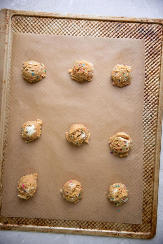 sprinkle cookies on a baking sheet prior to baking