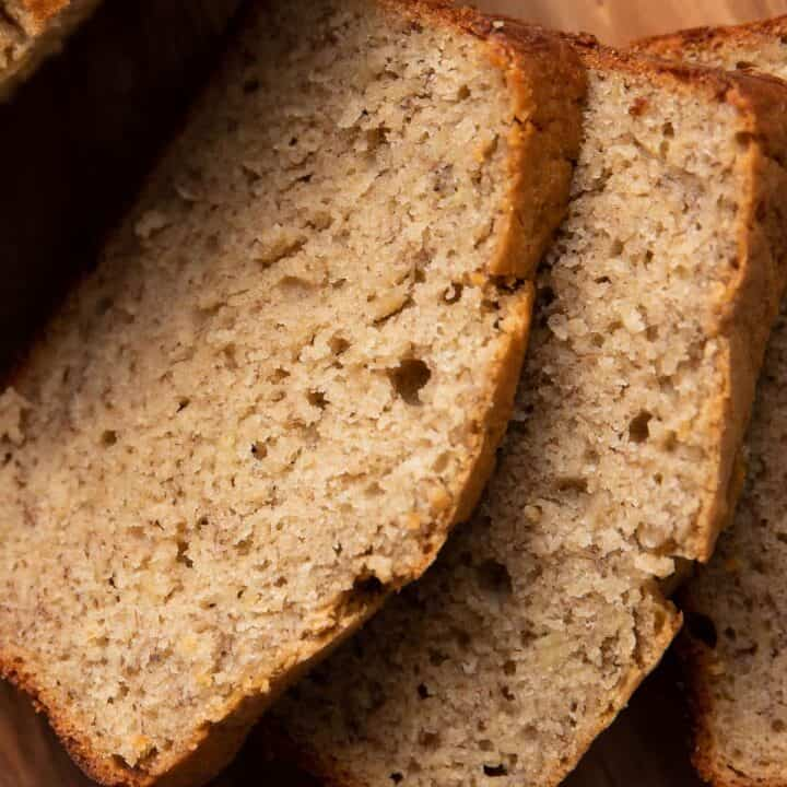 zoomed in picture of banana bread