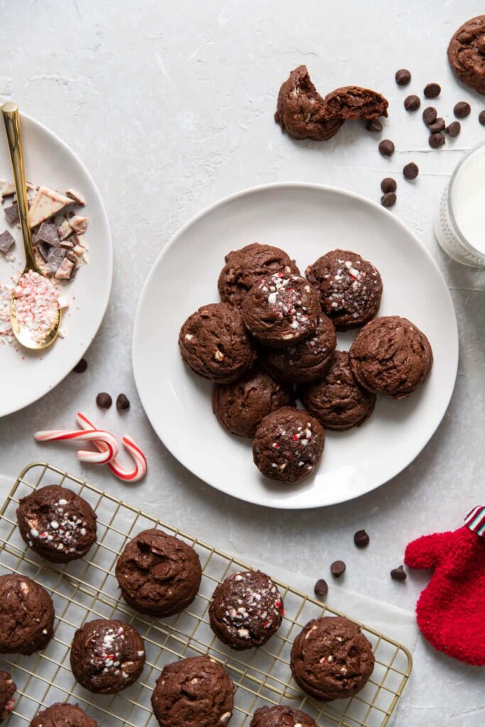 chocolate peppermint bark cookies