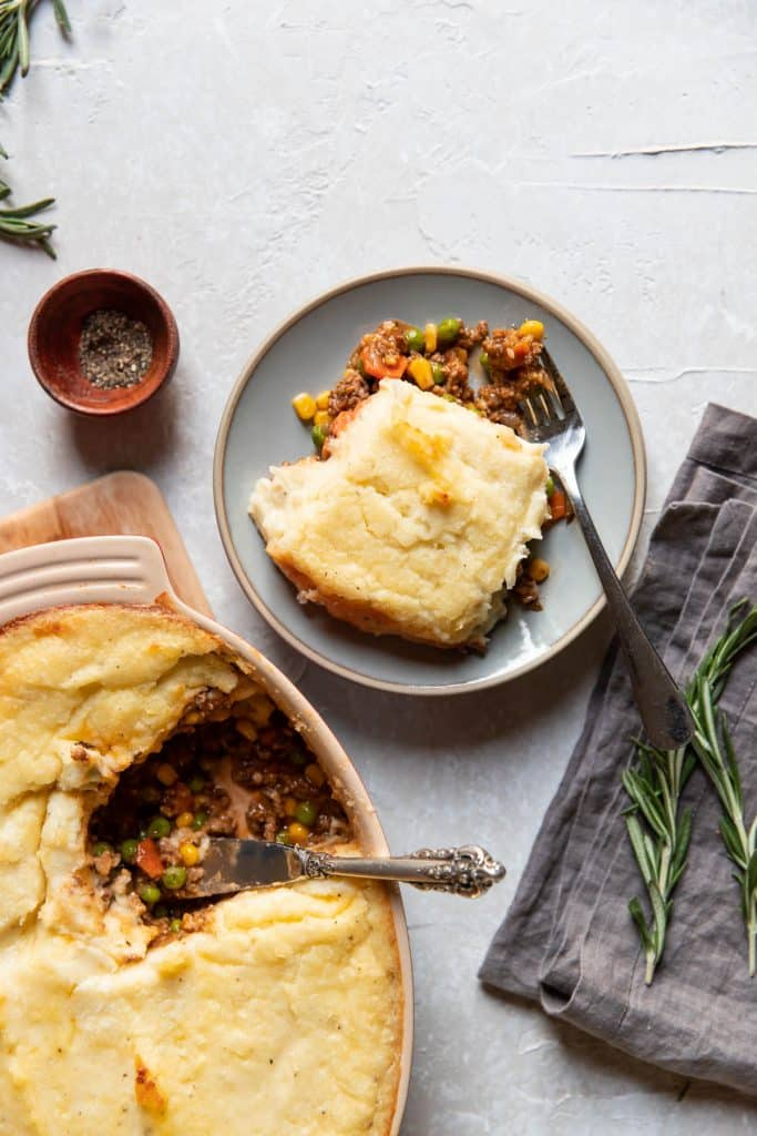 ground beef shepherds pie on a plate