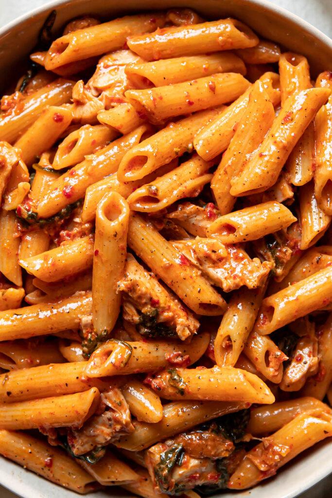 up close image of sundried tomato chicken pasta