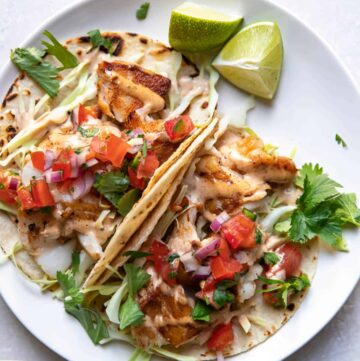 Fish tacos on a plate.
